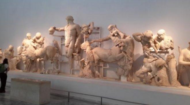 Frontone del tempio di Zeus a Olimpia