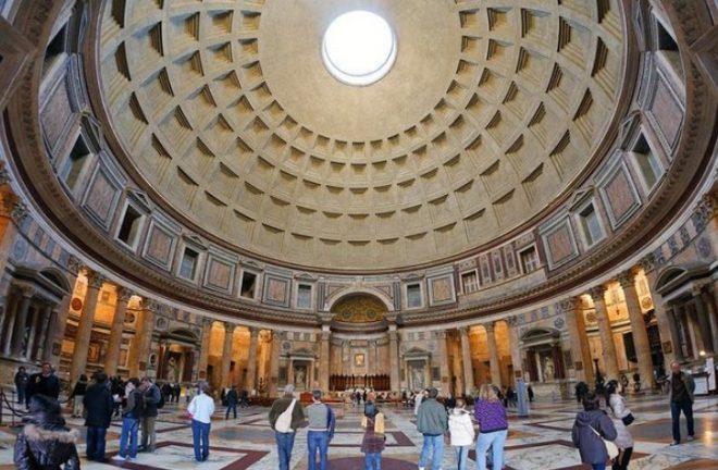 Interno del pantheon, Roma