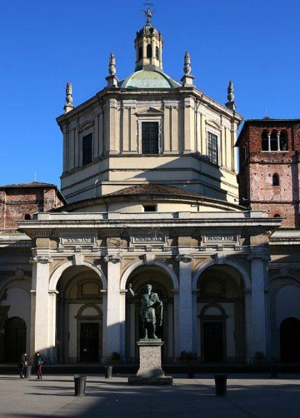 Facciata san lorenzo a Milano
