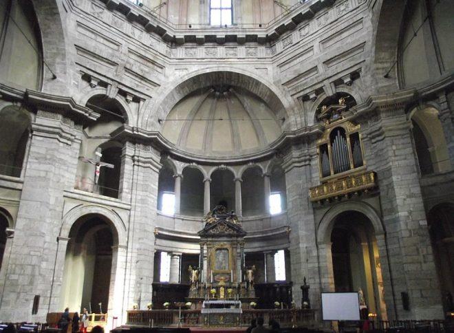 Presbiterio san Lorenzo a Milano