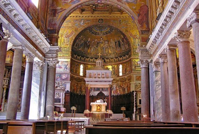 interno santa maria in trastevere roma